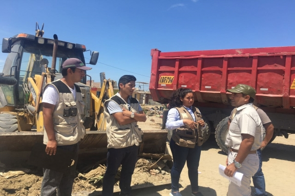 LA RECONSTRUCCIÓN NECESITA DE LOS COLEGIOS PROFESIONALES Y SOBRE TODO DE UNA PERSONA EXPERTA EN RIESGOS Y DESASTRES COMO JULIO KUROIWA
